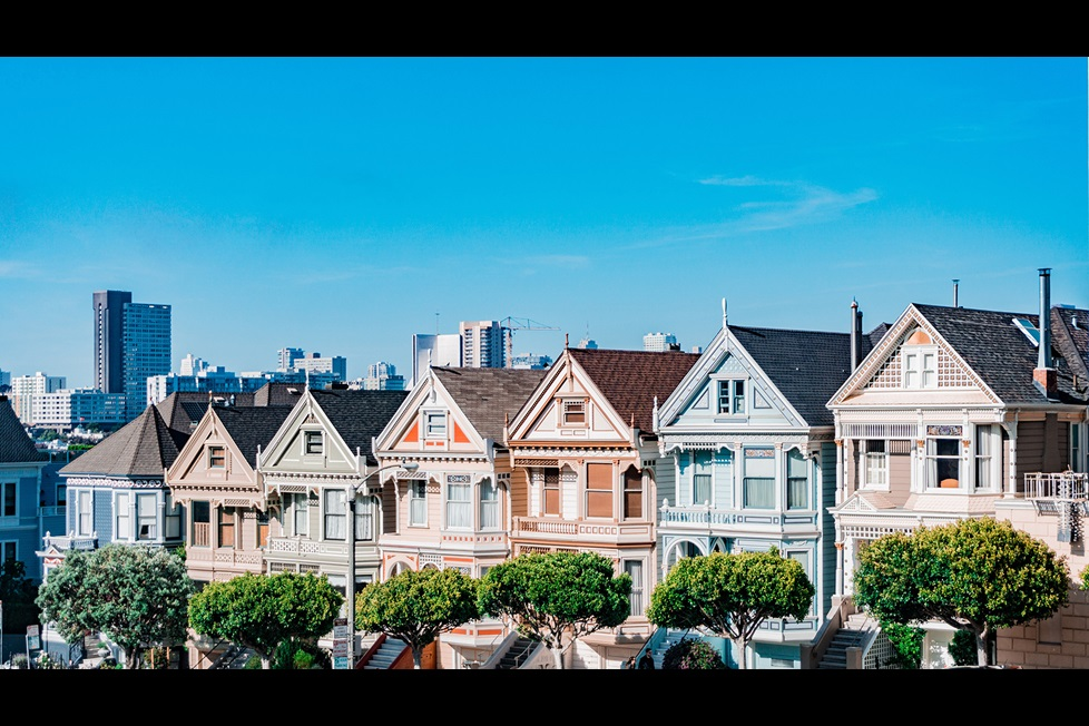 View of the painted lady houses in San Francisco