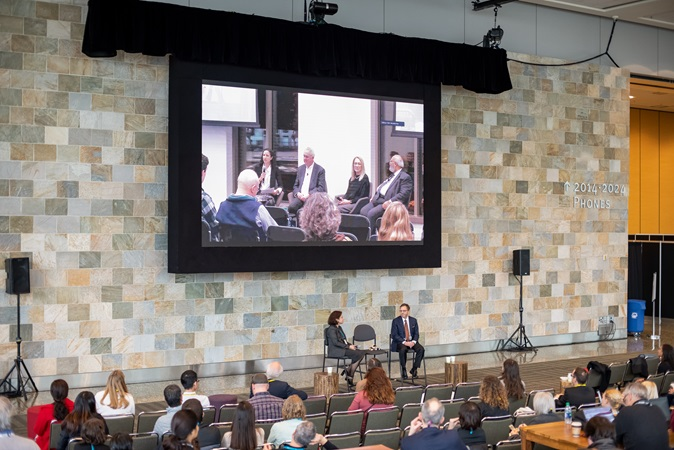 At Fall Meeting 2019, attendees in San Francisco joined scientists in Washington, D.C., in a simulcast Town Hall meeting.