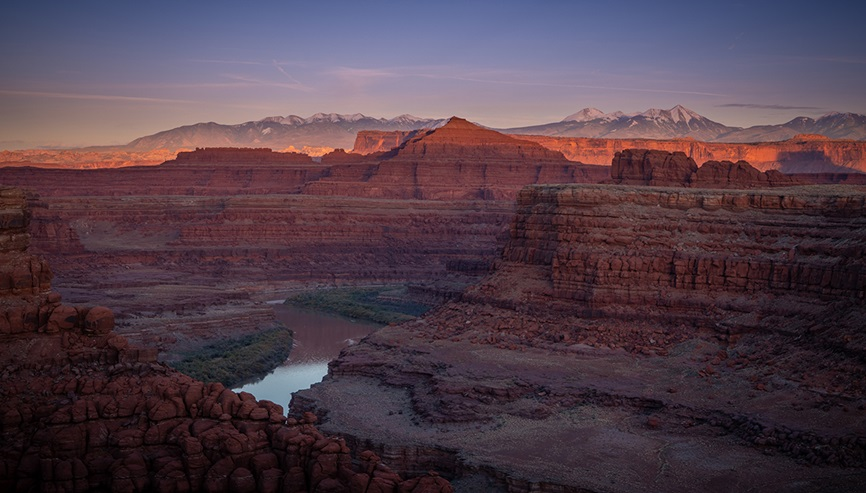 Sunrise over grand canyon with river